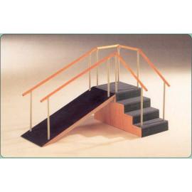 Escalera y Rampa de madera 4 escalones barandilla